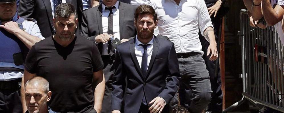 Leo Messi condannato per frode fiscale Evitato l'arresto per soli tre mesi