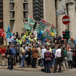 Protesta dei lavoratori delle Poste «Esuberi, l'azienda non risponde»