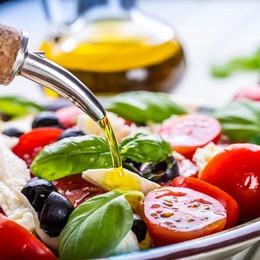 C'era una volta la dieta mediterranea Ora il cibo è più globale (ma meno sano)