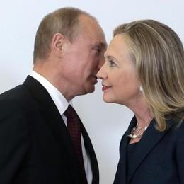 Hillary, la corsa taroccata via mail
