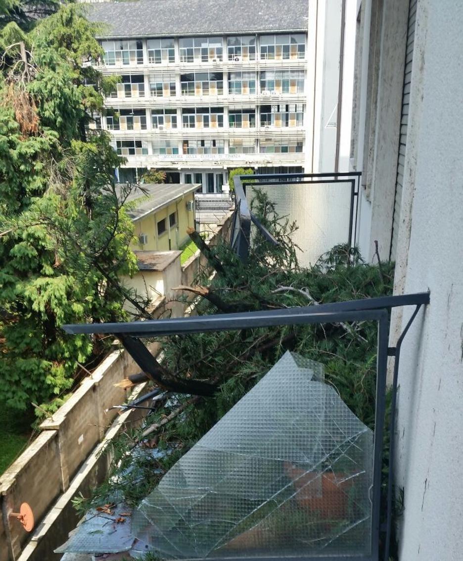 Il terrazzo di una casa in via XXIV Maggio 2G
