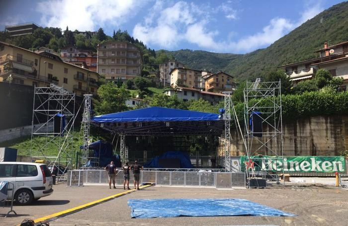 Il palco del Power Sound di Ubiale è stato sistemato