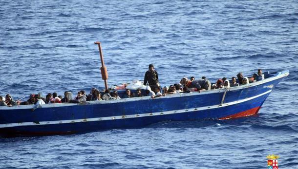 Lega,terroristi sui barconi dei migranti