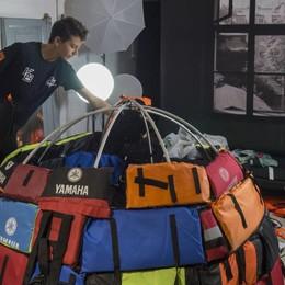 «I miei igloo con i giubbotti dei rifugiati» E il progetto d'arte sbarca a New York