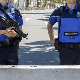 Svizzera, assalitore su un treno Sei passeggeri feriti a coltellate