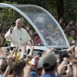 Il Papa saluta i giovani bergamaschi «Abbiate un cuore compassionevole»