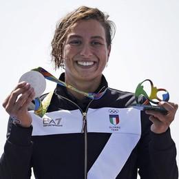 10 km di nuoto, Rachele sale un gradino Argento,  francese squalificata - video