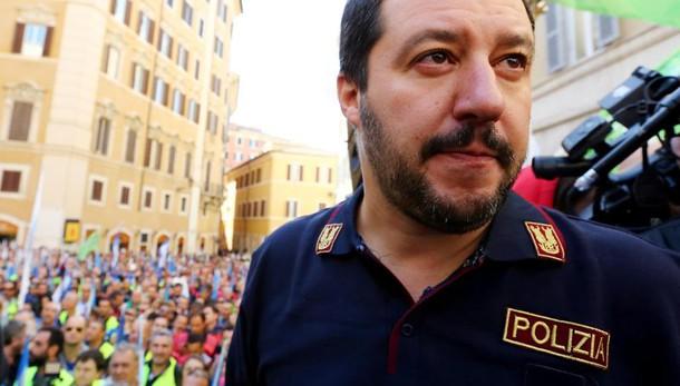 Salvini, è delirante chiedere ordine?