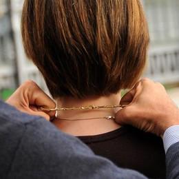 Strappano la collanina a una donna Ponteranica, inseguiti da ex assessore