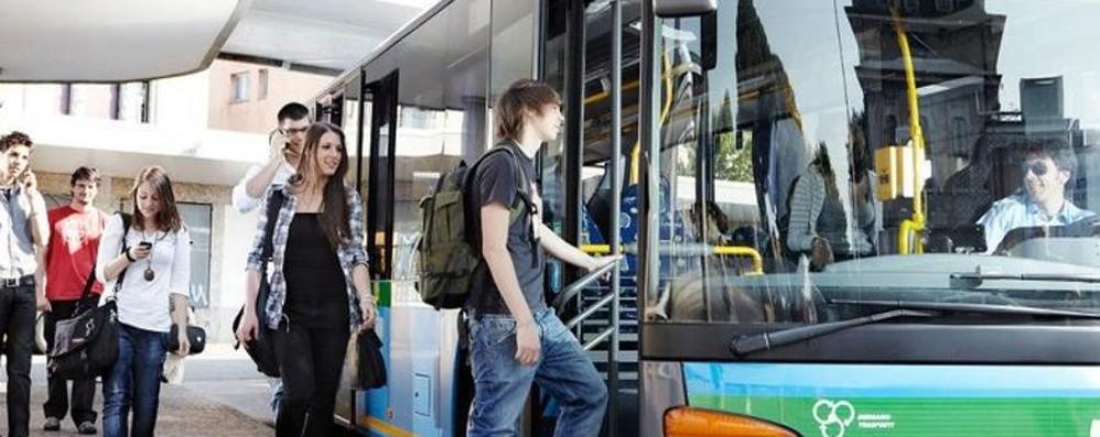 Bus Locatelli, via agli abbonamenti Con i Comuni sconti fino al 20%