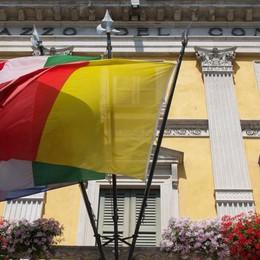Unioni civili, a Palazzo Frizzoni celebrate le prime due cerimonie