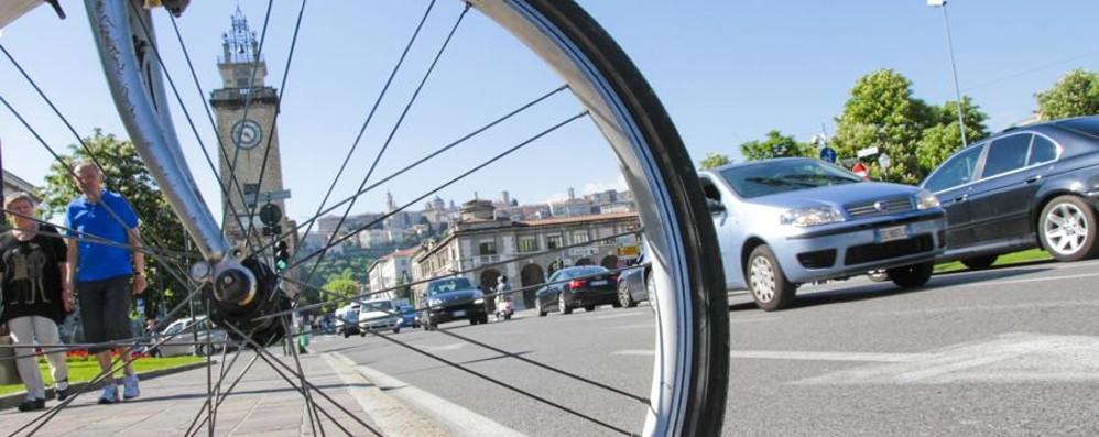 Cresce la produzione di biciclette La vita green fa bene all'economia