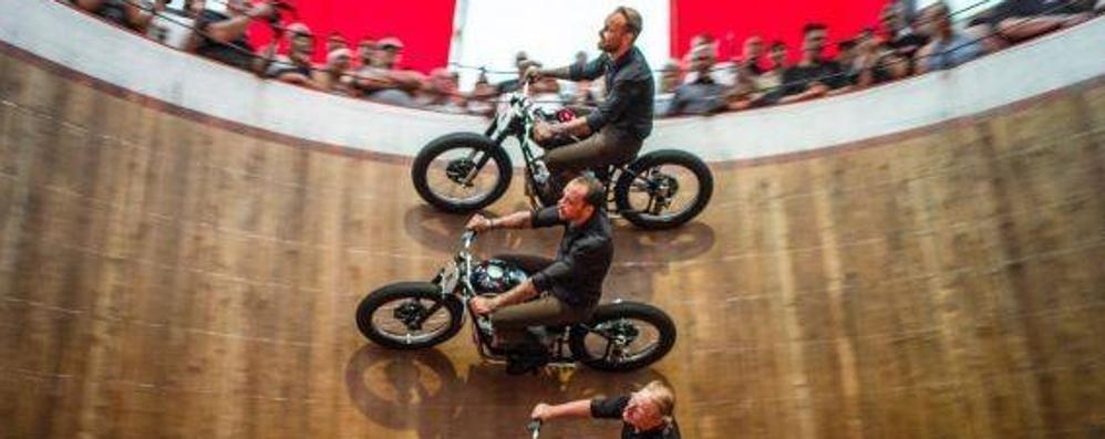 Acrobazie mozzafiato a Cologno  Torna la Festa dei bikers