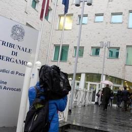 Ruba pc, patteggia 4 mesi a Bergamo Torna libero e bissa il furto 48 ore dopo