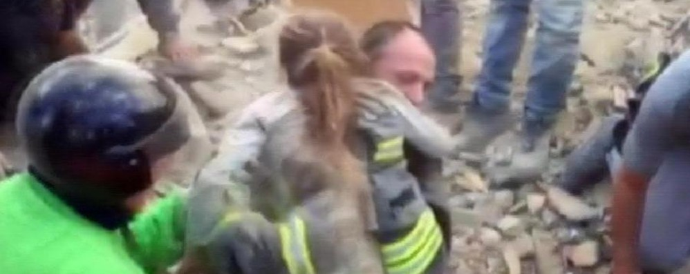 Terremoto: 159 vittime accertate - Video «Mai vista una devastazione così»