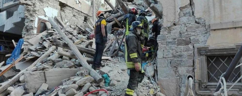 Terremoto, pompieri orobici ad Amatrice  Bergamo scende in campo - foto/video