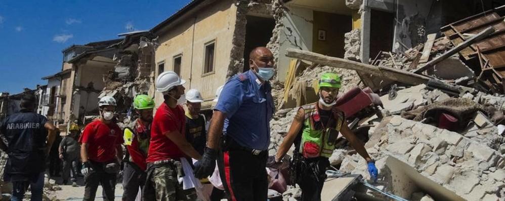Oltre 240 le vittime del terremoto «Temiamo bilancio peggiore dell'Aquila»