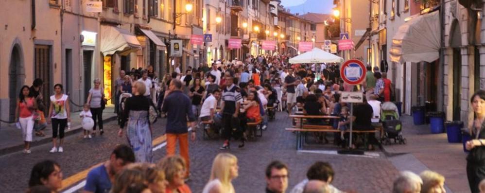 Stasera tornano i «Venerdì del Borgo» Shopping e animazione fino a tarda sera