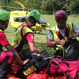 Due donne cadono in montagna Soccorsi a Bagnatica e in Valcanale