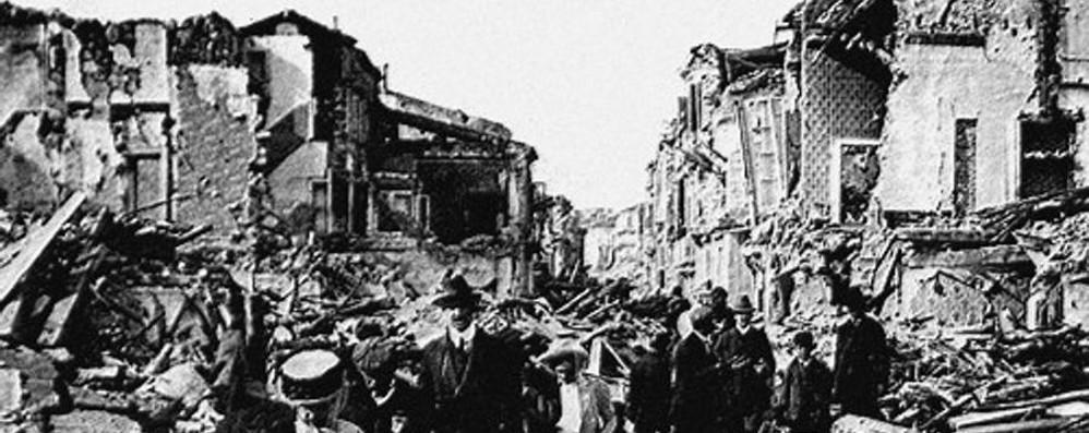 I più gravi terremoti in Italia - Video Nel 1908 anche tsunami: 100 mila vittime
