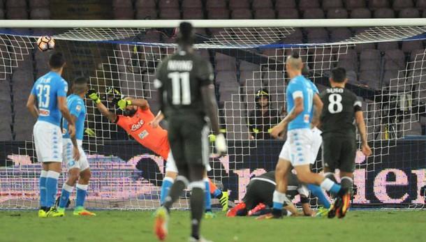 Serie A: Napoli-Milan 4-2 nell'anticipo