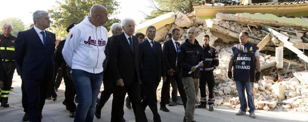 Terremoto, i morti salgono a 291 Mattarella ai soccorritori: «Grazie»