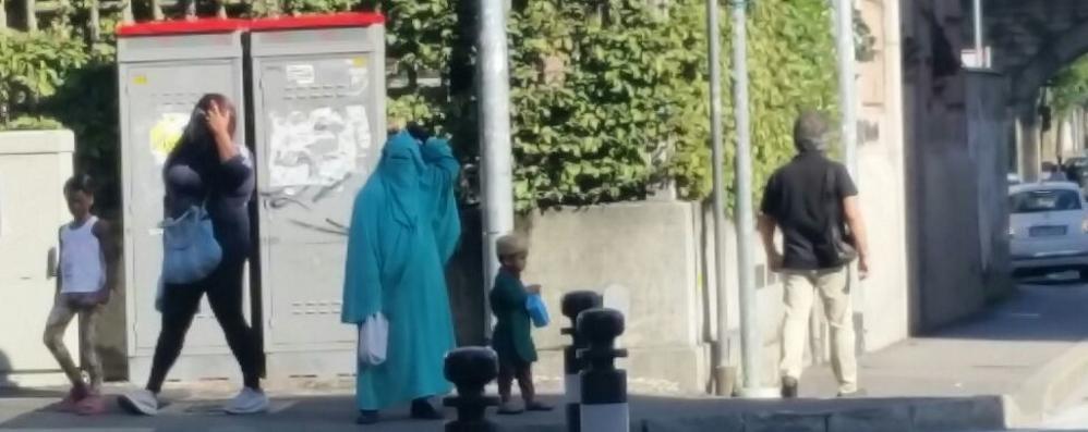 Alla Malpensata spuntano i burqa La lettera di protesta  «E i vigili ... 69f29f96d8f