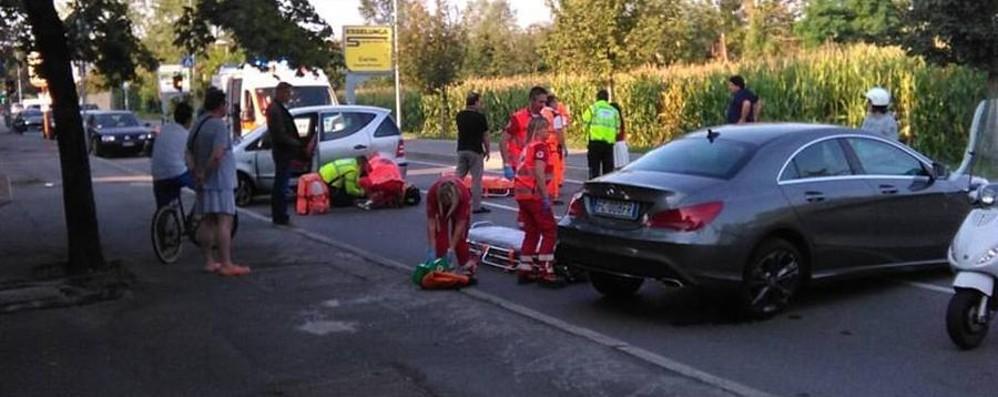 Incidente di fronte all'ospedale Due feriti nel tamponamento