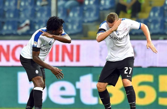 Kessié festeggia il gol con Kurtic