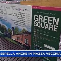 La passerella arriva in Piazza Vecchia, ma è verde