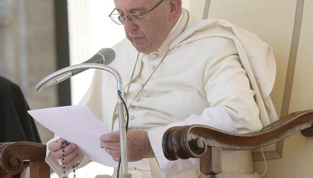 Papa: cure mediche anche per più poveri