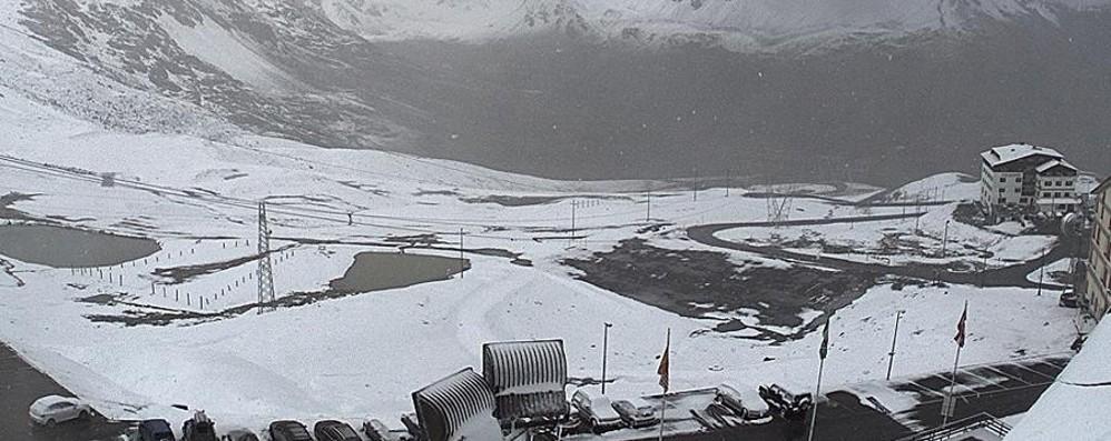 Nevicata d'agosto al Passo dello Stelvio - Webcam