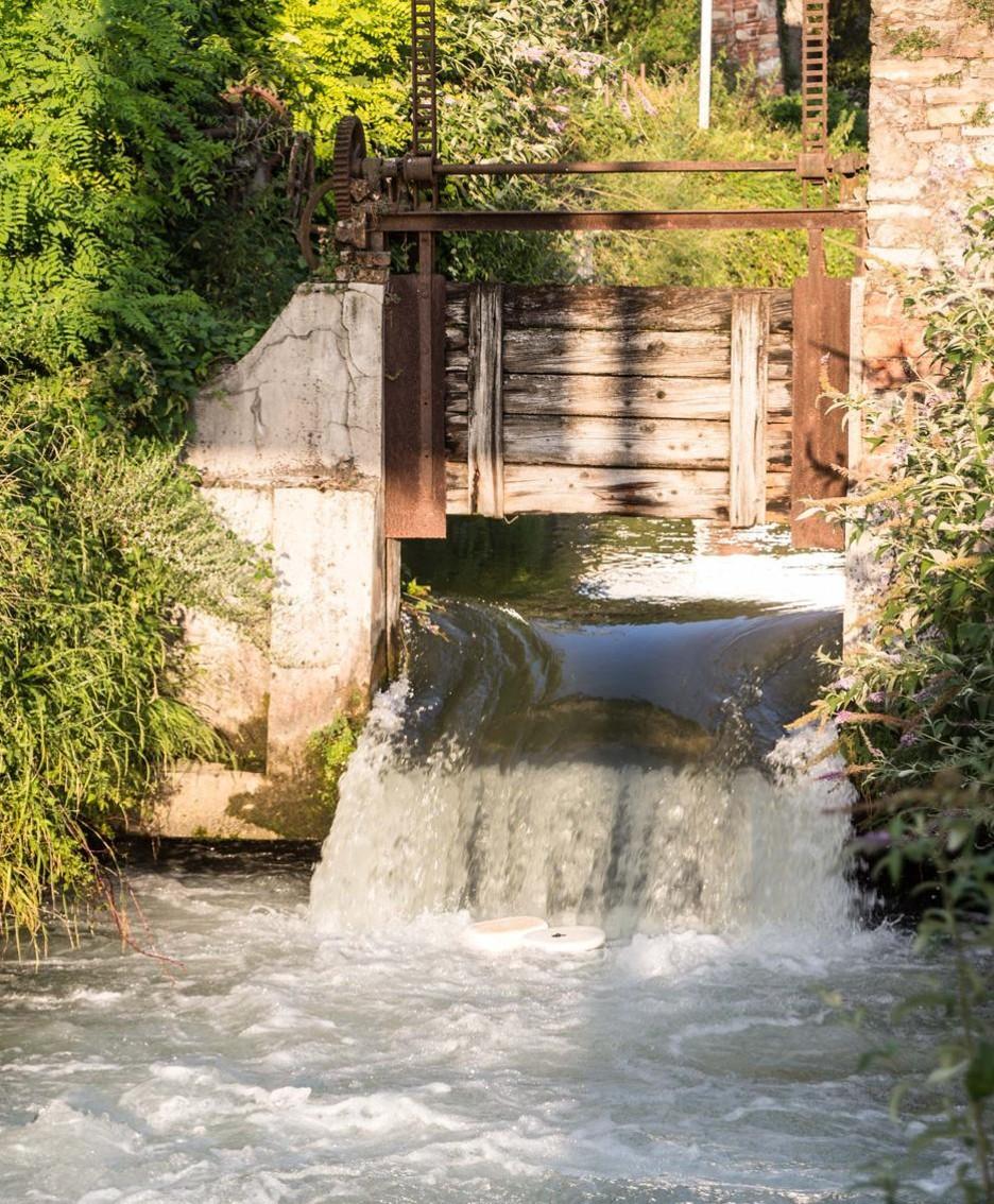 La roggia Curna in via Borgo Palazzo