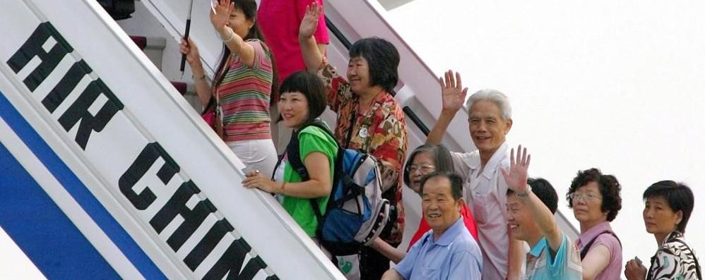 Arriva dalla Cina per visitare l'Europa ma finisce in un centro per migranti