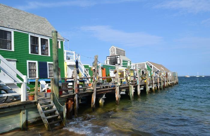 """Uno scorcio del porticciolo di Provincetown. Per anni, l'attività principale della zona è stata la pesca: non a caso, il nome """"Cod"""" vuol dire """"merluzzo"""". Squisite anche le aragoste che si possono gustare lungo i ristoranti della costa, ammirando l'Oceano Atlantico."""