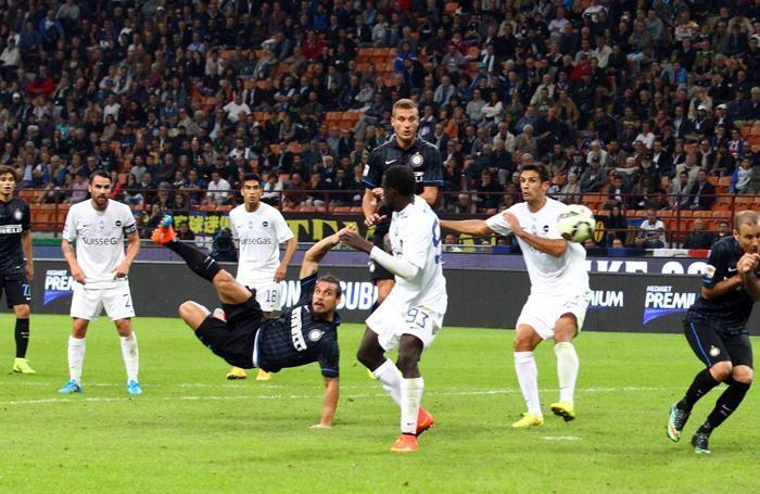Lo splendido gol in acrobazia segnato da Osvaldo interista contro l'Atalanta