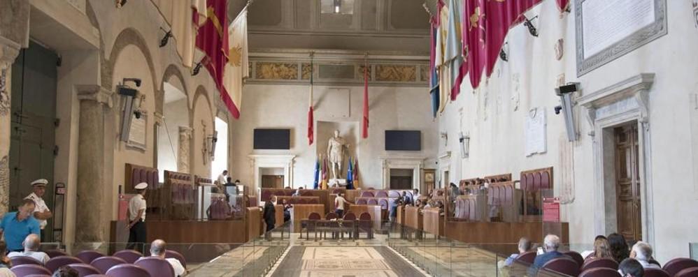 Roma, il Campidoglio perde i pezzi Dimissioni a catena: cinque in un giorno