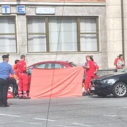 Malore in auto, muore un 69enne Ripercussioni al traffico in Val Seriana