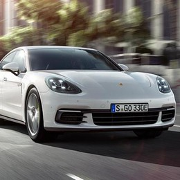 La Porsche Panamera anche in versione ibrida