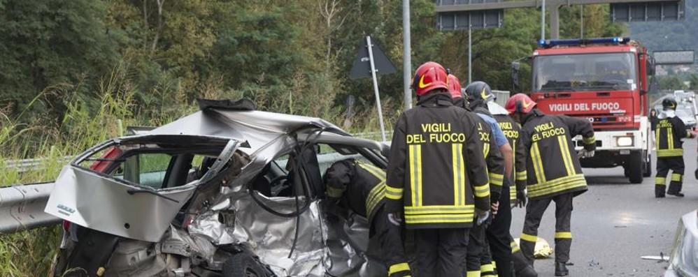 Schianto fra auto a Costa Volpino Morta una 38enne, due feriti