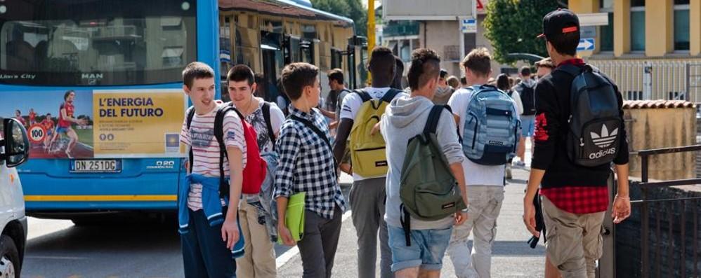 Strada casa-scuola, il sindaco di Selvino «Dura meno il viaggio Catania-Bergamo»