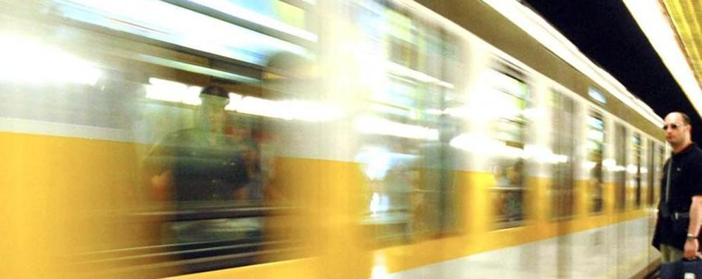 Milano, la metro si sveglia prima Dall'autunno corse prima delle 6
