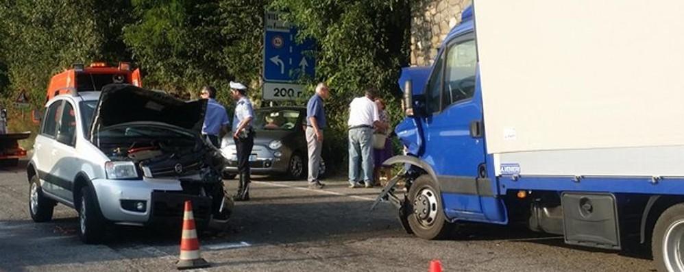 Val Brembana, incidenti a raffica Traffico in tilt: tutti in coda - Video