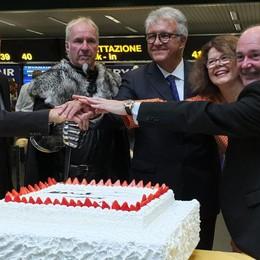 Da Orio al Serio si vola a Belfast Al taglio della torta il «trono di spade»