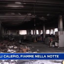 Castelli Calepio, fuoco e danni nella notte in un magazzino