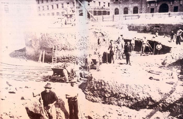 La costruzione del rifugio antiaereo