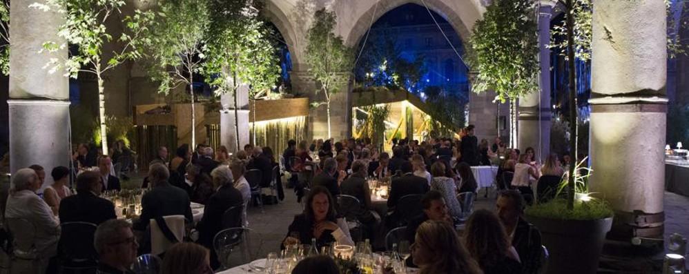 La moda a cena in Piazza Vecchia - foto  Festa vip sotto il Palazzo della Ragione
