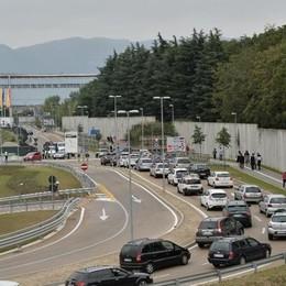 Apre il mega centro Ikea Lunghe code e traffico in tilt