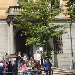 Lite e botte davanti a scuola  Treviglio, due mamme all'ospedale