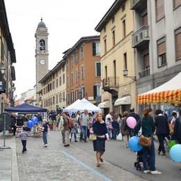 Musica, street food e... l'acrobata sul filo Domenica scatta la festa di Borgo Palazzo